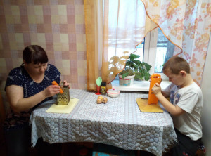 Танеров Серёжа,4класс.Номинация Мамины помощники
